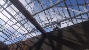 Jasa pasang atap galvalum bergaransi mojokerto